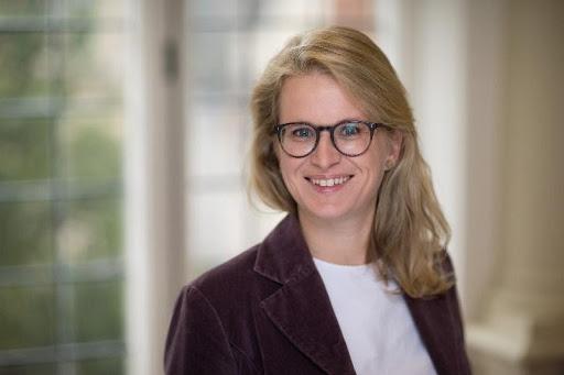 Carolin Weisser Harris